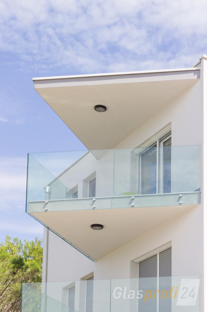 glasrailing f r balkon und dachterrasse glasprofi24. Black Bedroom Furniture Sets. Home Design Ideas