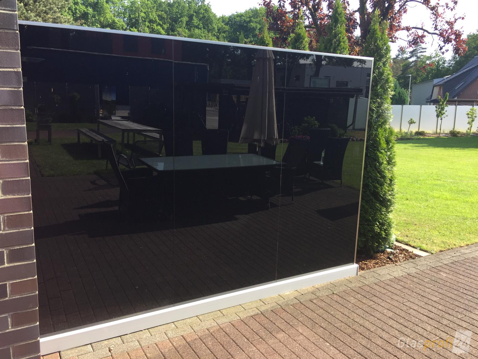 wind sichtschutz terrasse windschutz fur terrasse aus plexiglas terrassen hofsaess markisen. Black Bedroom Furniture Sets. Home Design Ideas