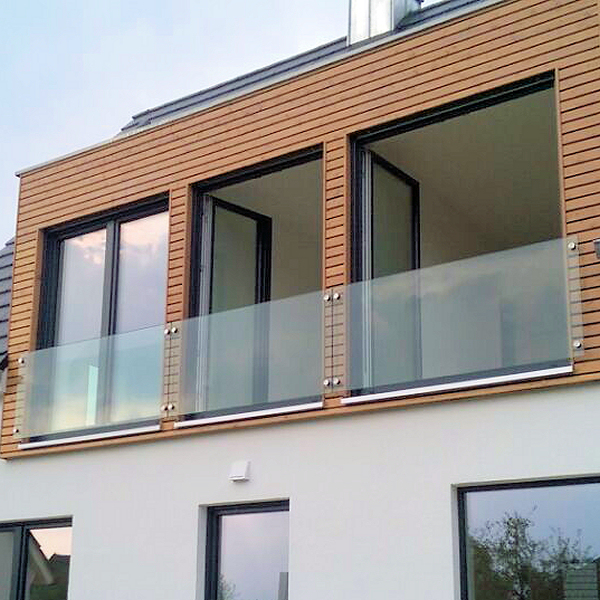 franzosischer balkon aus glas glasprofi24 With französischer balkon mit sonnenschirm von knirps