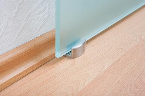 glasschiebet r mit edelstahl beschlag glasschiebet ren. Black Bedroom Furniture Sets. Home Design Ideas