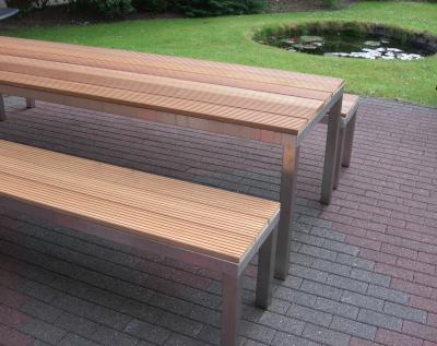 Gartenbank aus Edelstahl und Bankirai-Holz | GLASPROFI24