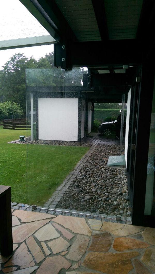 vordach mit seitenteil als haust r windfang glasprofi24. Black Bedroom Furniture Sets. Home Design Ideas