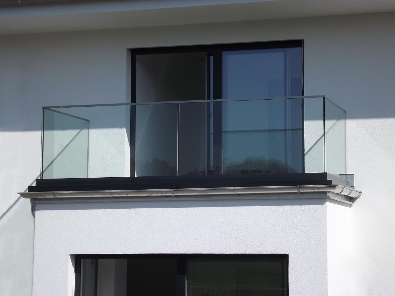 balkongeländer glas vorschriften