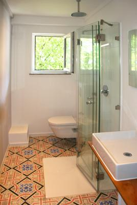 faltbare duschkabine aus glas glasprofi24. Black Bedroom Furniture Sets. Home Design Ideas