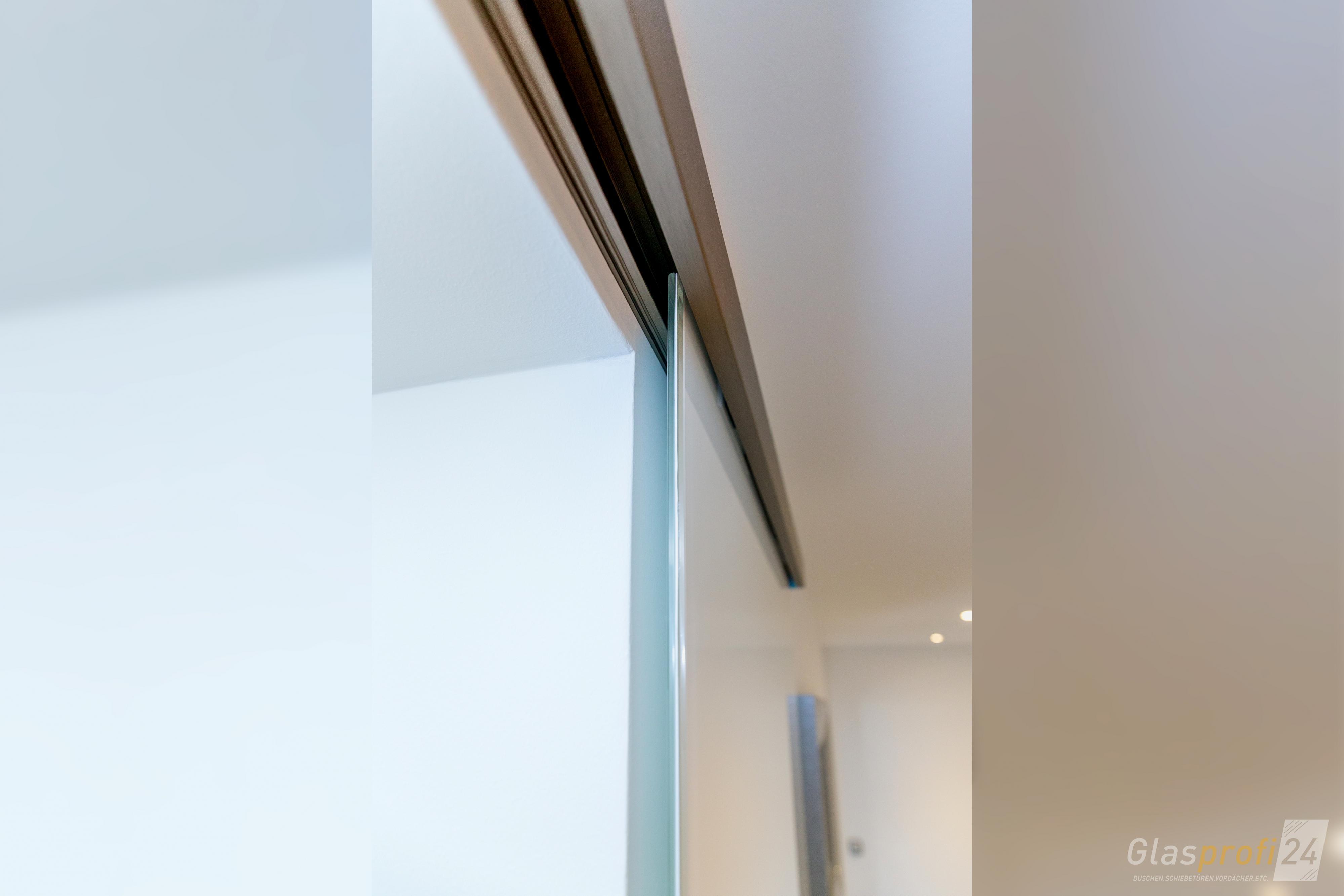Top Glasschiebetür mit Softclose PIANO   GLASPROFI24 KB49