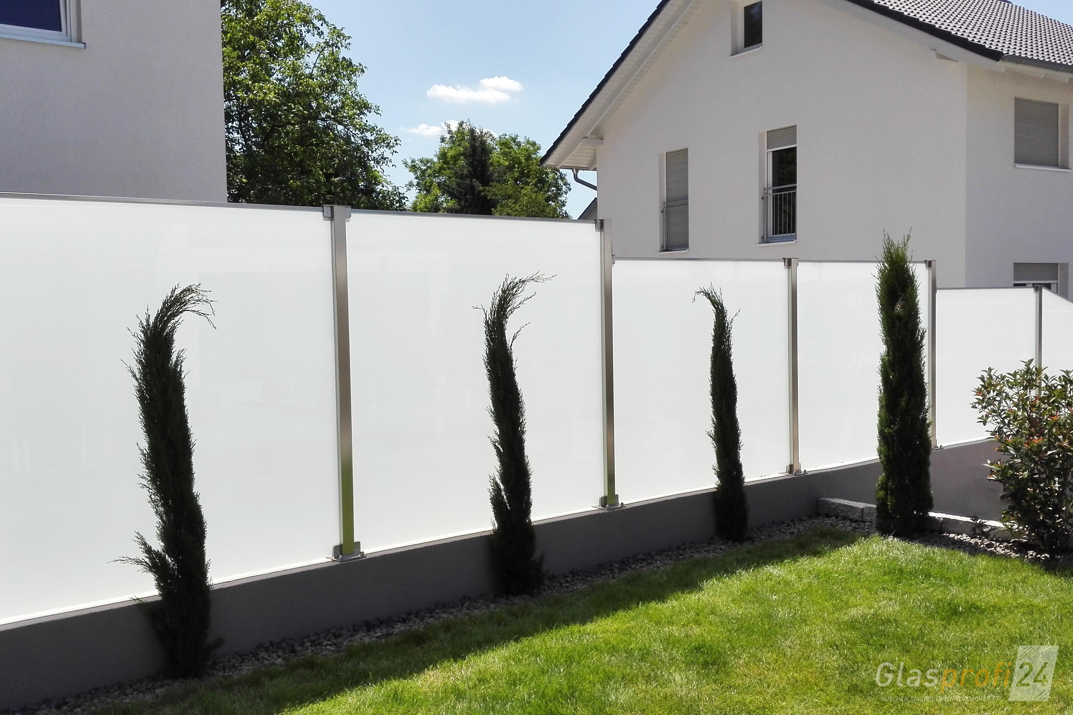 Glaszaun f r wind und sichtschutz glasprofi24 - Beweglicher sichtschutz garten ...