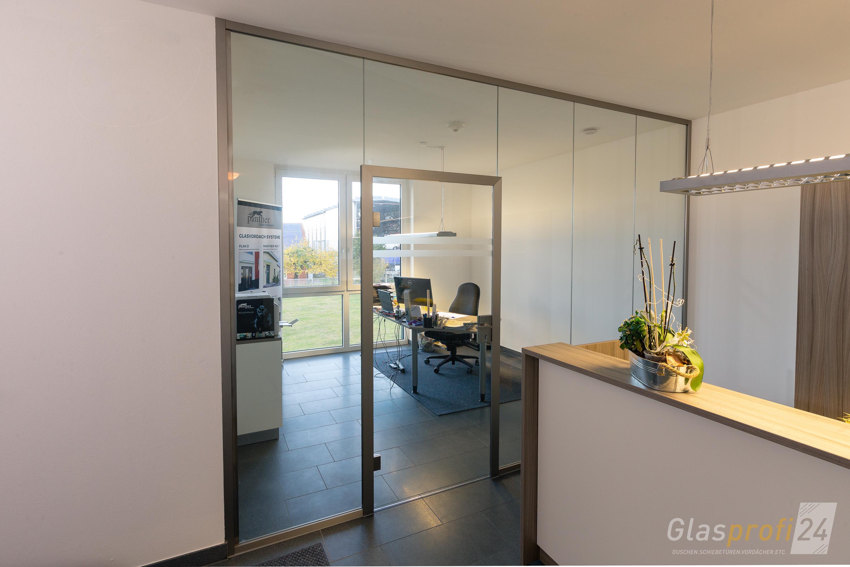 trennwand glas wohnzimmer wohnzimmer trennwand alles ber wohndesign und m belideen. Black Bedroom Furniture Sets. Home Design Ideas