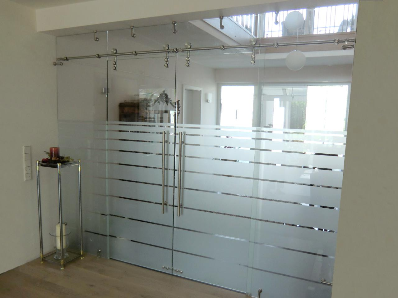 Glas Trennwand inklusive Schiebetür nach Maß