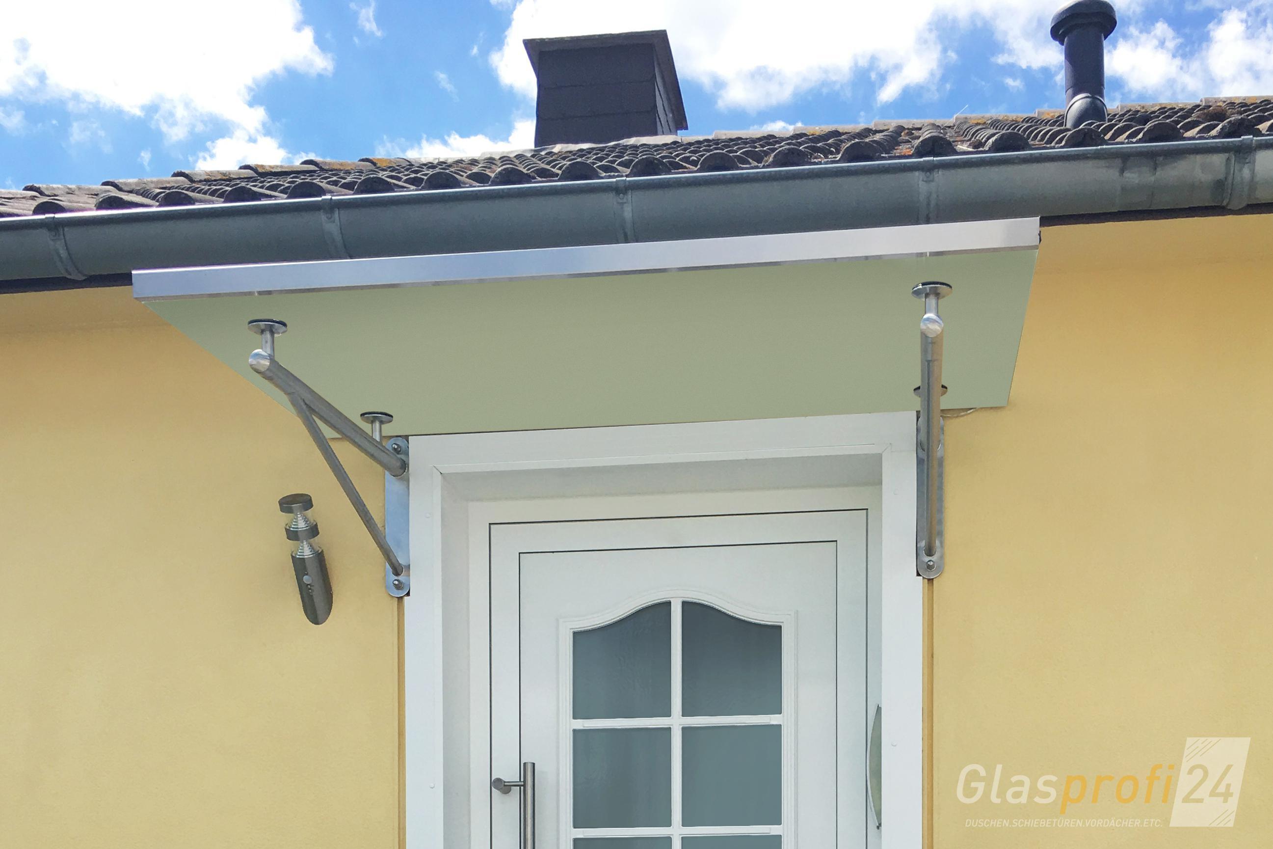 Glas Vordach TRAVE mit Rohrträger-Konstruktion | GLASPROFI24