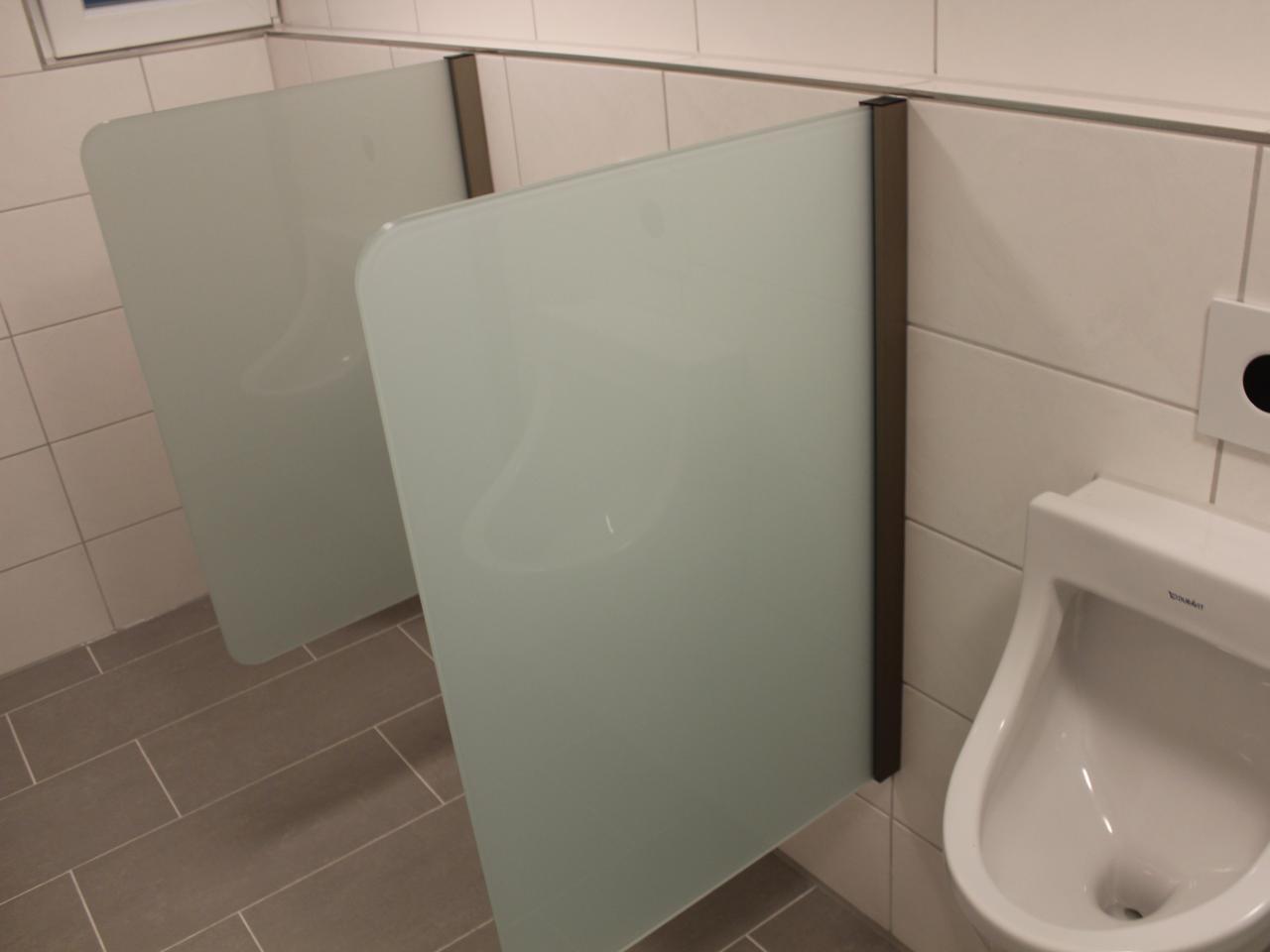 trennwand f r toilette aus glas glasprofi24. Black Bedroom Furniture Sets. Home Design Ideas