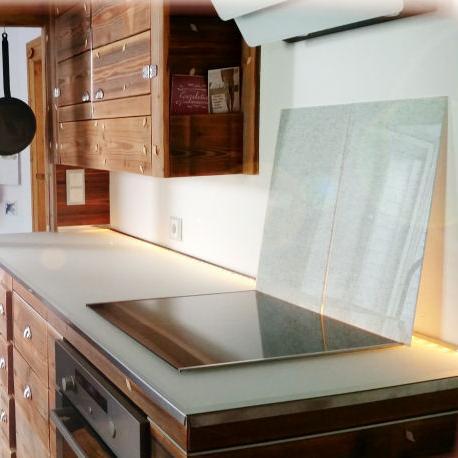 k chenarbeitsplatte aus glas glasprofi24. Black Bedroom Furniture Sets. Home Design Ideas