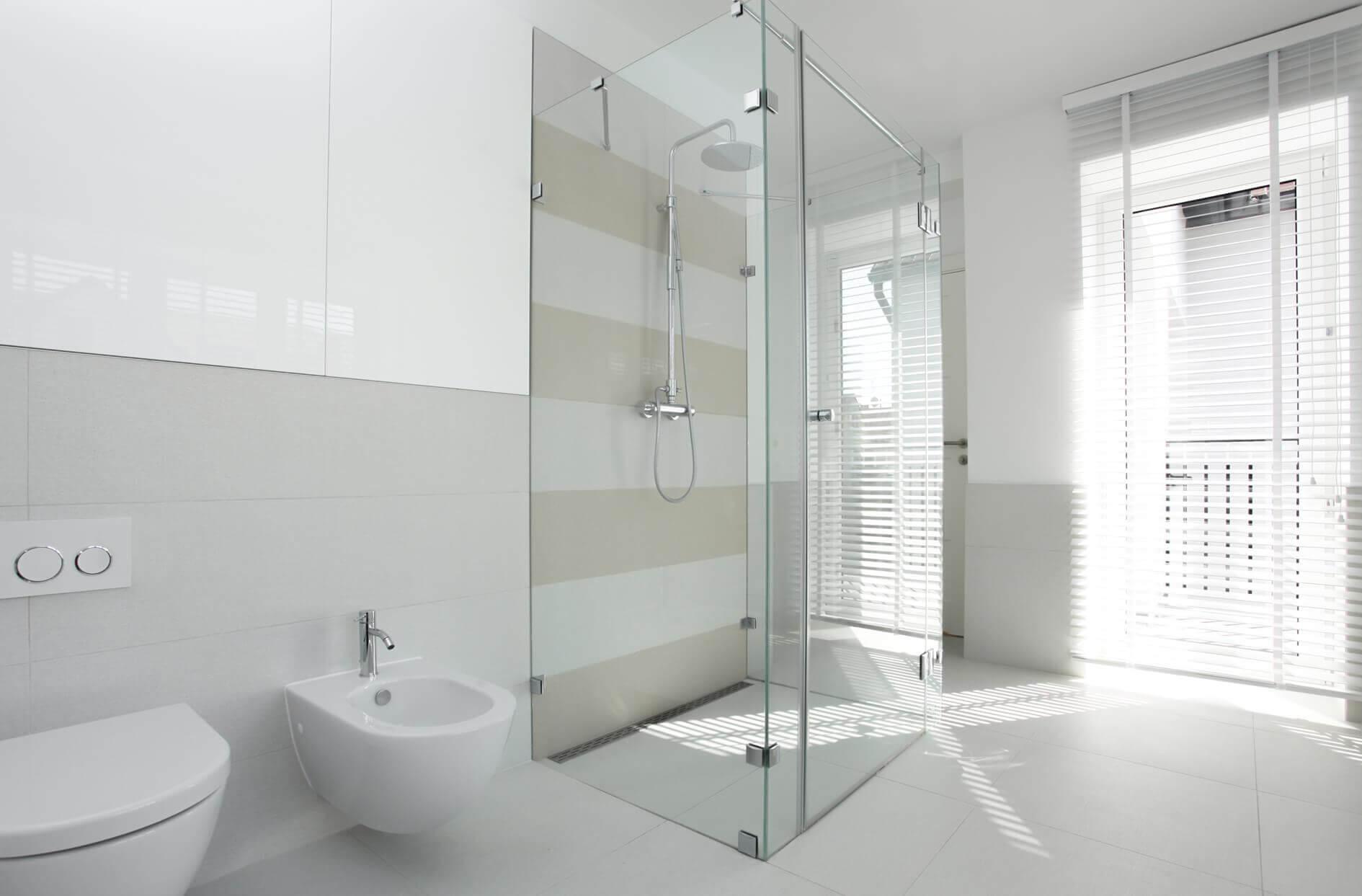 U-Form-Dusche