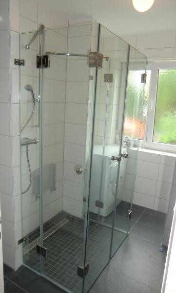 klappbare duschwände
