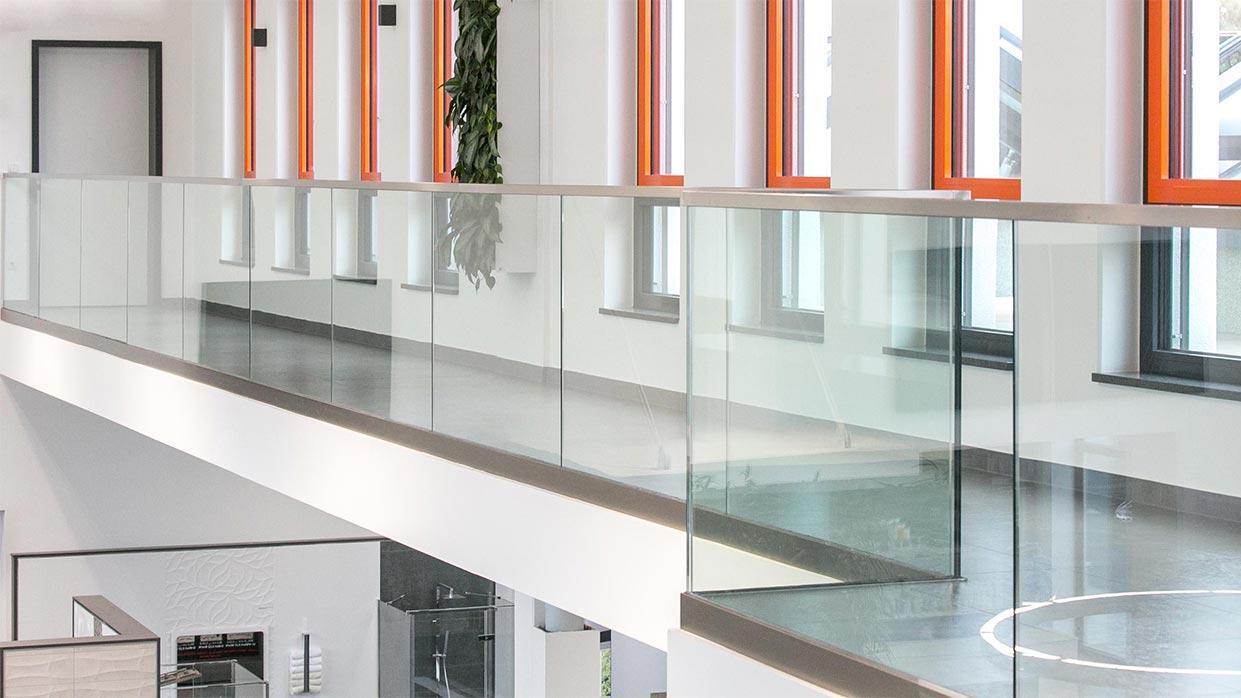 Duschabtrennung vordach und schiebet r im glasprofi24 for Kuchenarbeitsplatte glas