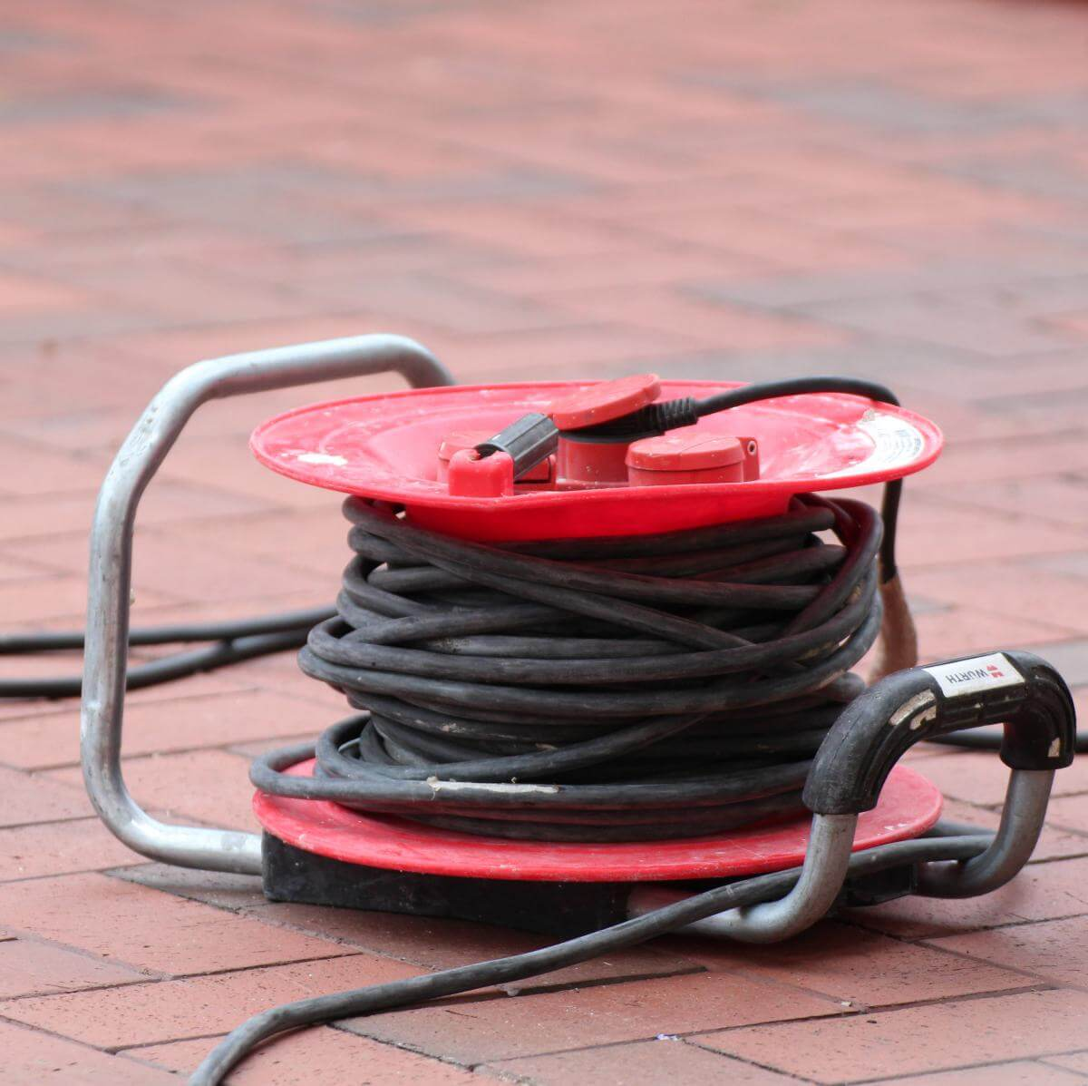 Strom benötigen Sie für die elektrischen Werkzeuge
