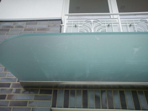 satiniertes glas vordach dura 300 x 110 cm von glasprofi24. Black Bedroom Furniture Sets. Home Design Ideas
